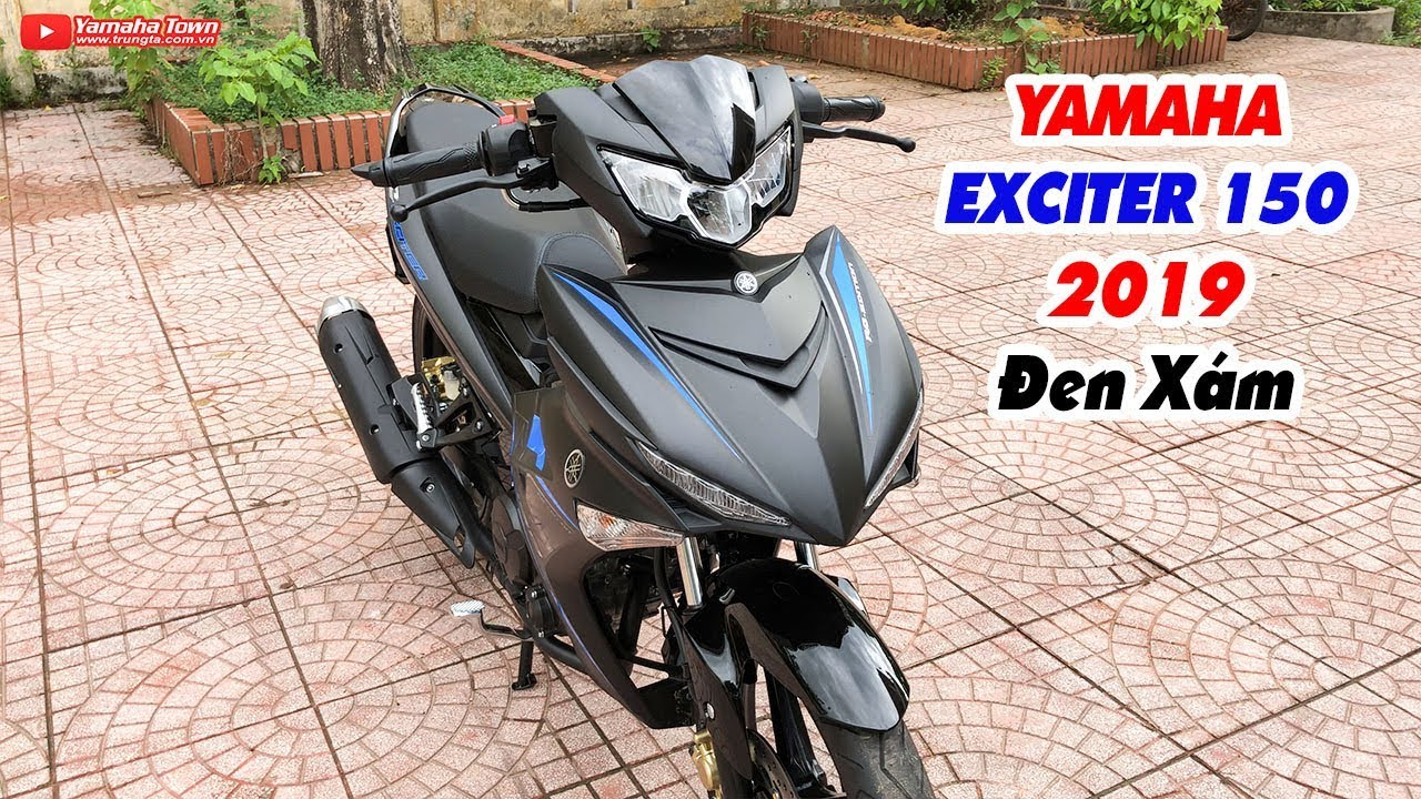 yamaha-exciter-150-2019-den-xam-can-canh-chiec-xe-tem-doi-mau-theo-anh-sang